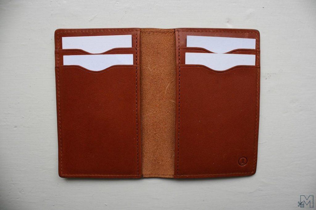 Linjer Vertical Wallet Open