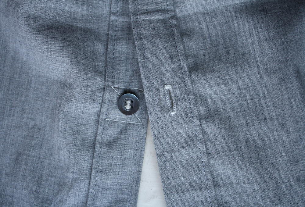 Contrast button stitching