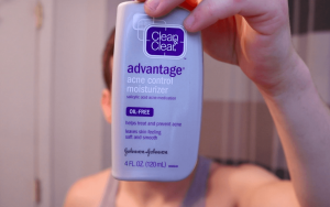 Acne fighting moisturizer
