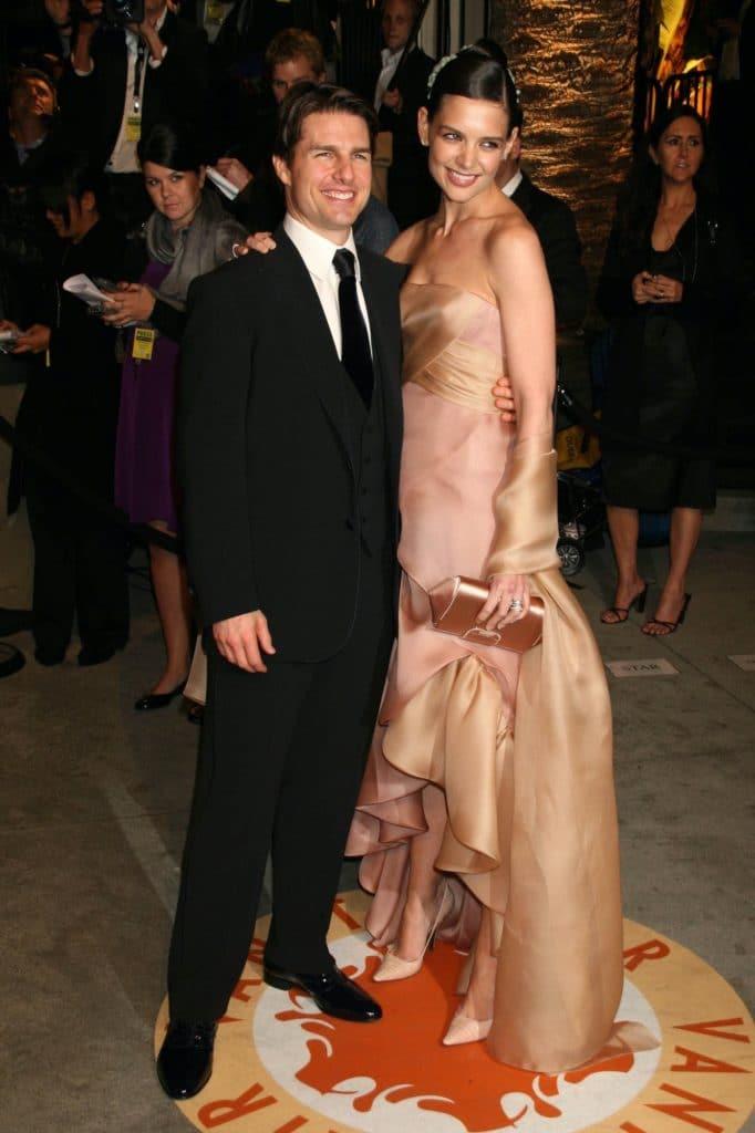 "Katie Holmes (5'9"") w/ Tom Cruise (5'7"")"