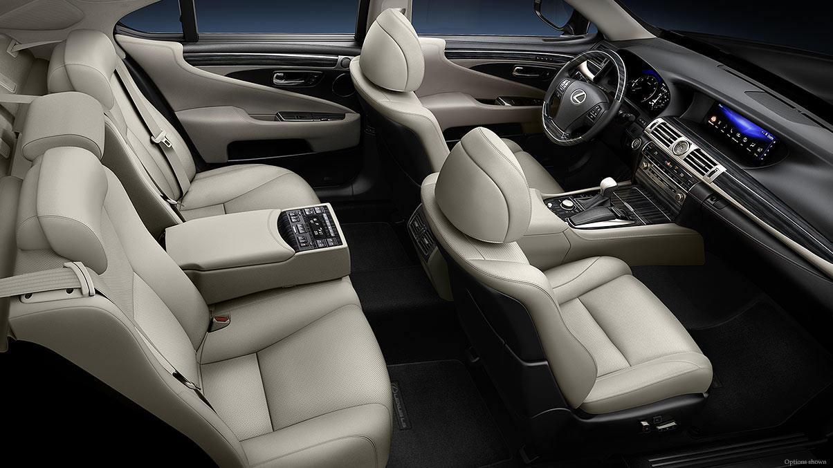 2014 Lexus LS interior