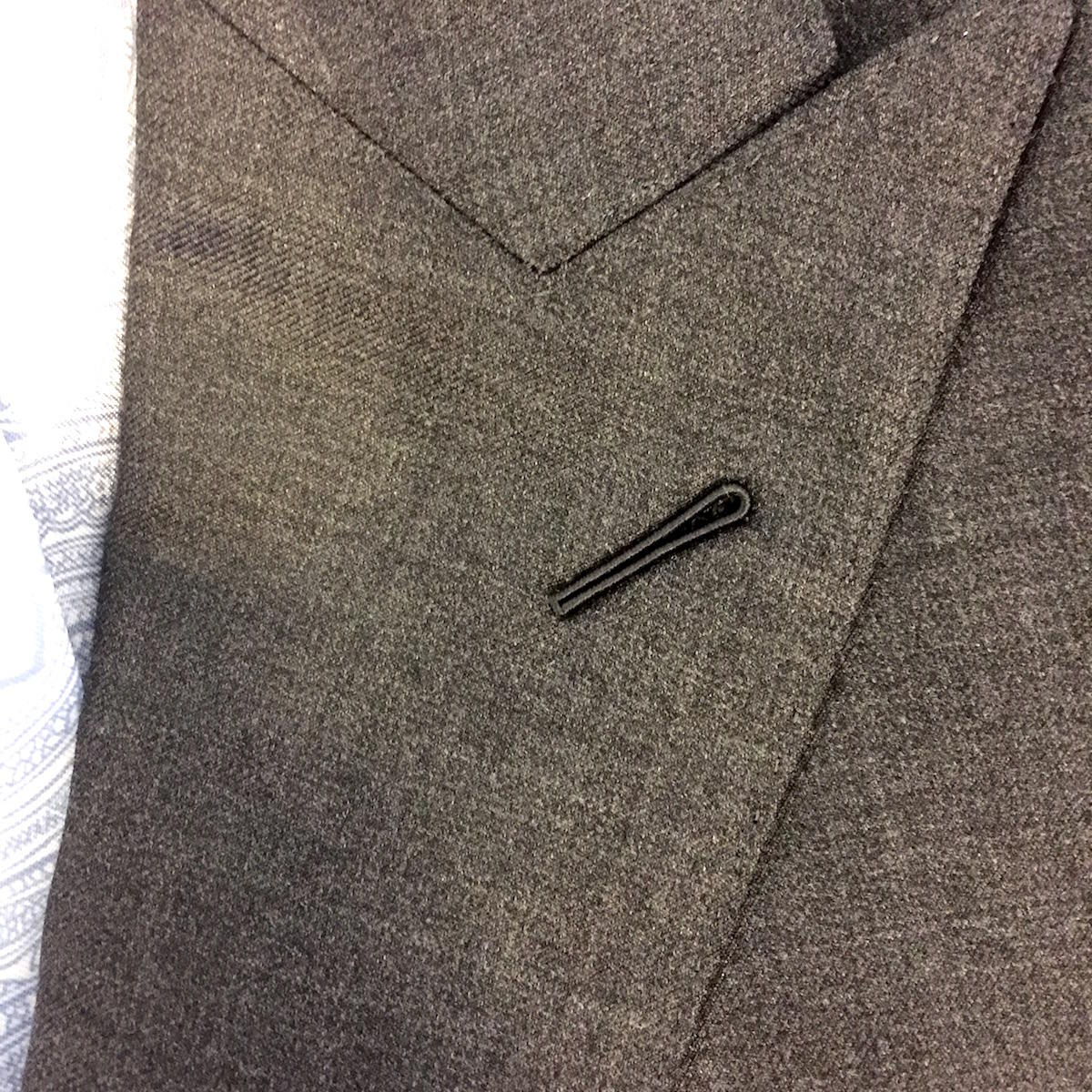 Lapel button hole