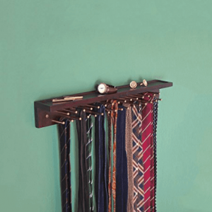 Mounted tie rack