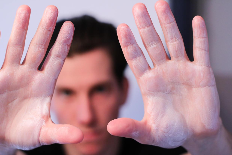 Rub pomade into hands