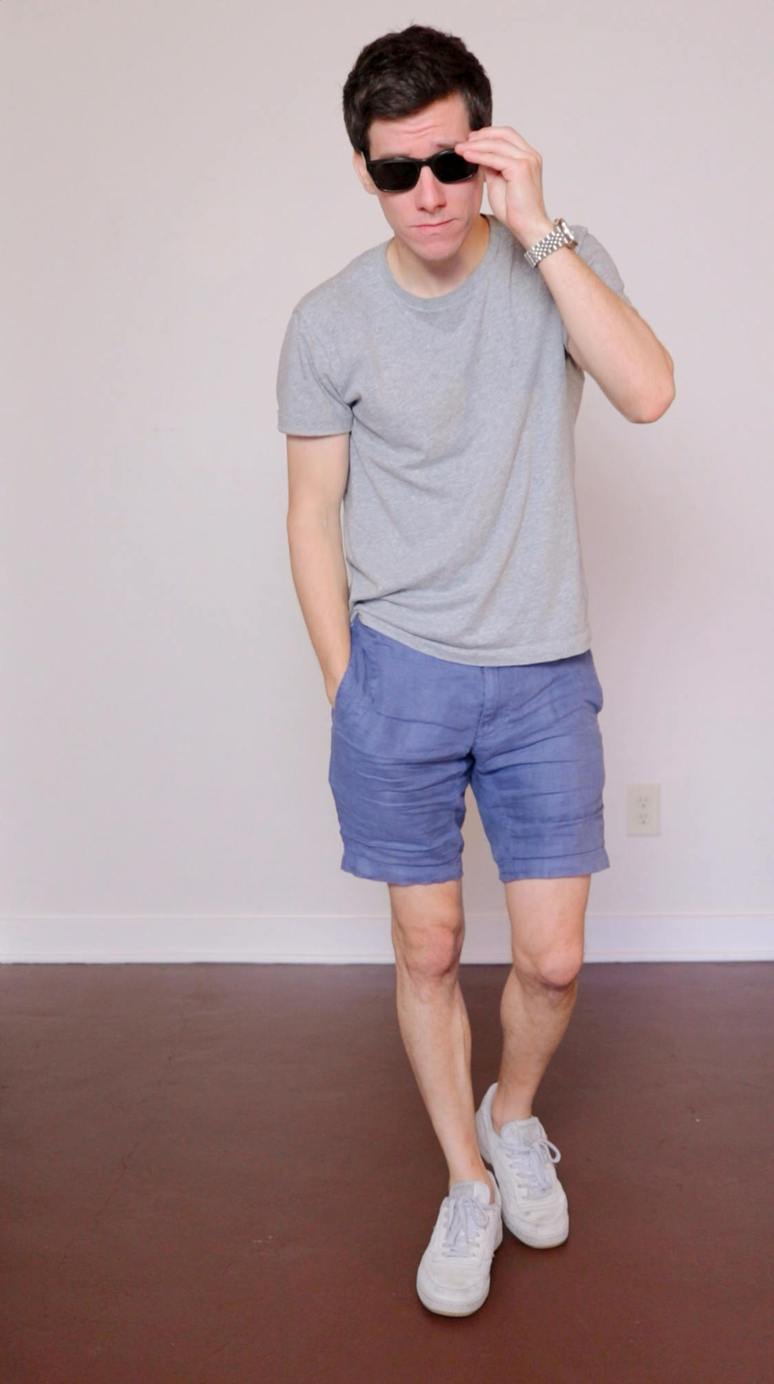 Blue linen shorts grey t-shirt
