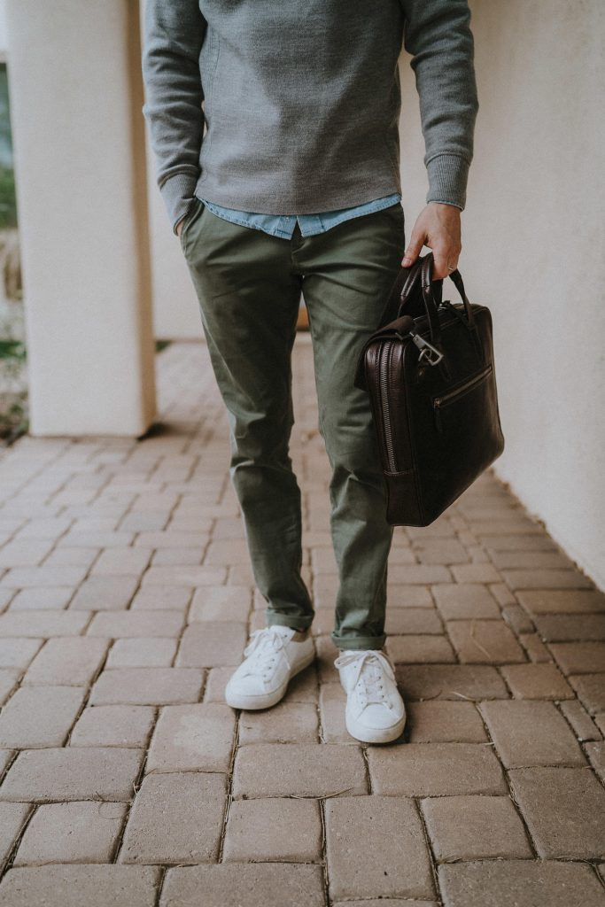 White sneakers olive chinos