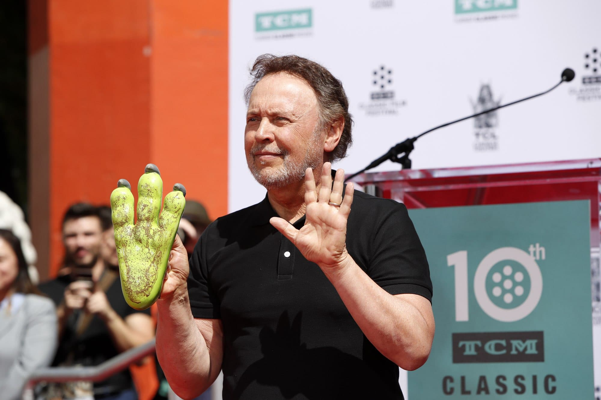 Billy Crystal Height - 5'6""
