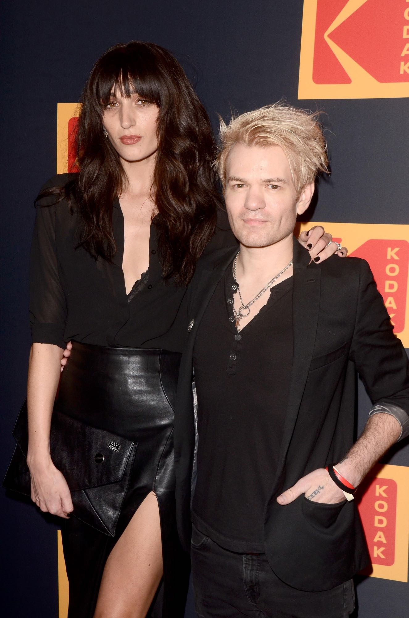 """Deryck Whibley Height - 5'7"""""""