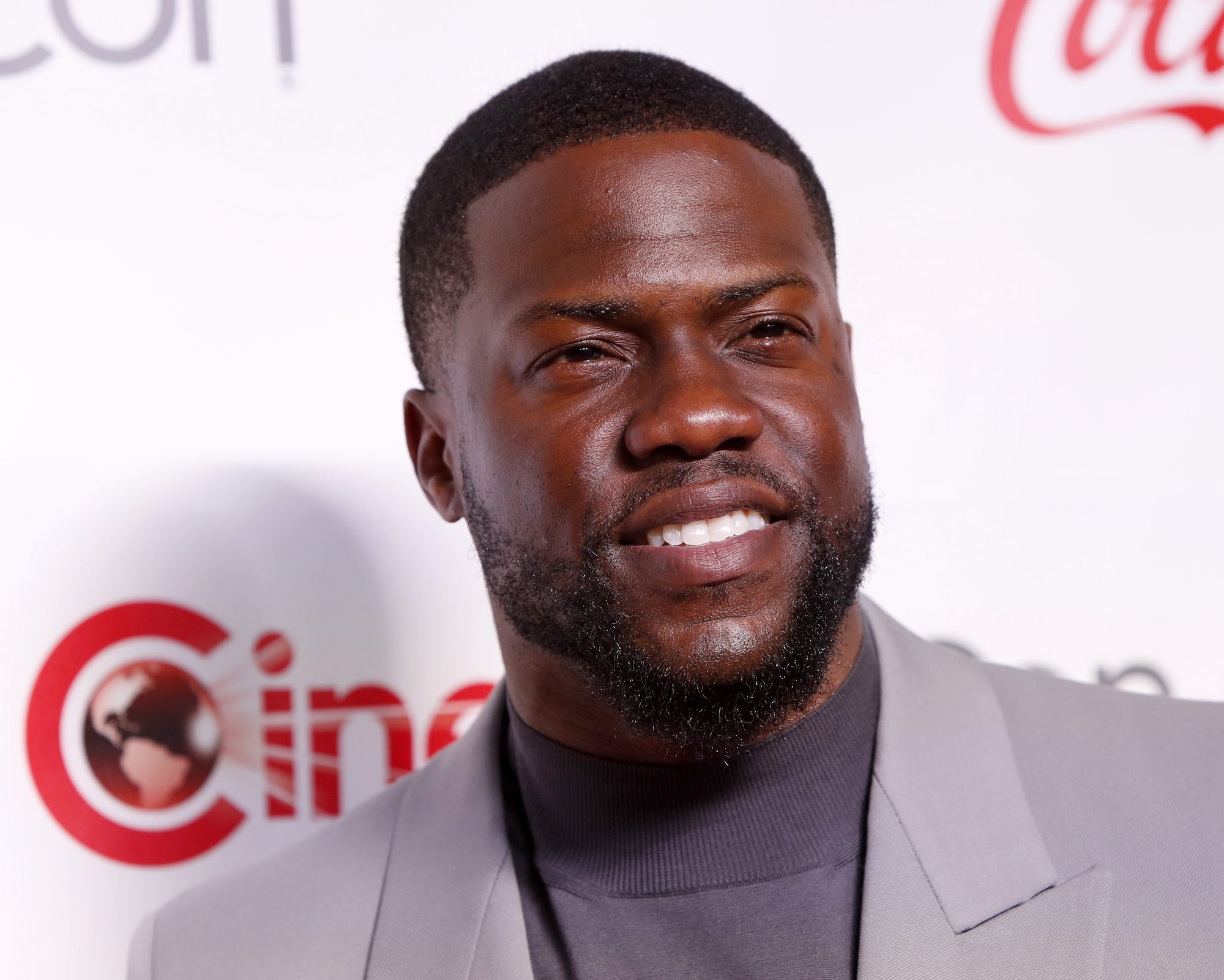 Kevin Hart Height - 5'4''