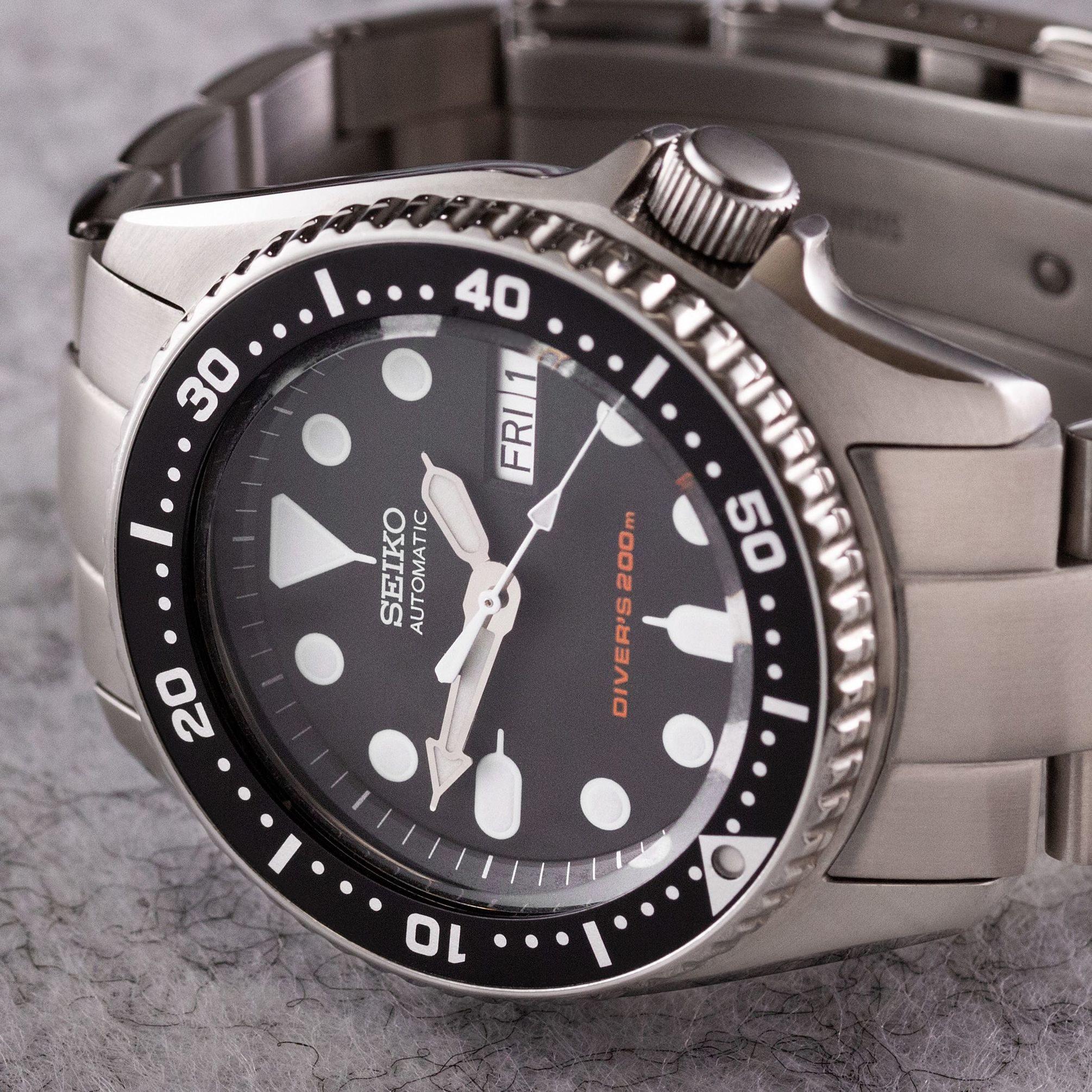Seiko SKX013 oyster bracelet - The Modest Man - crop