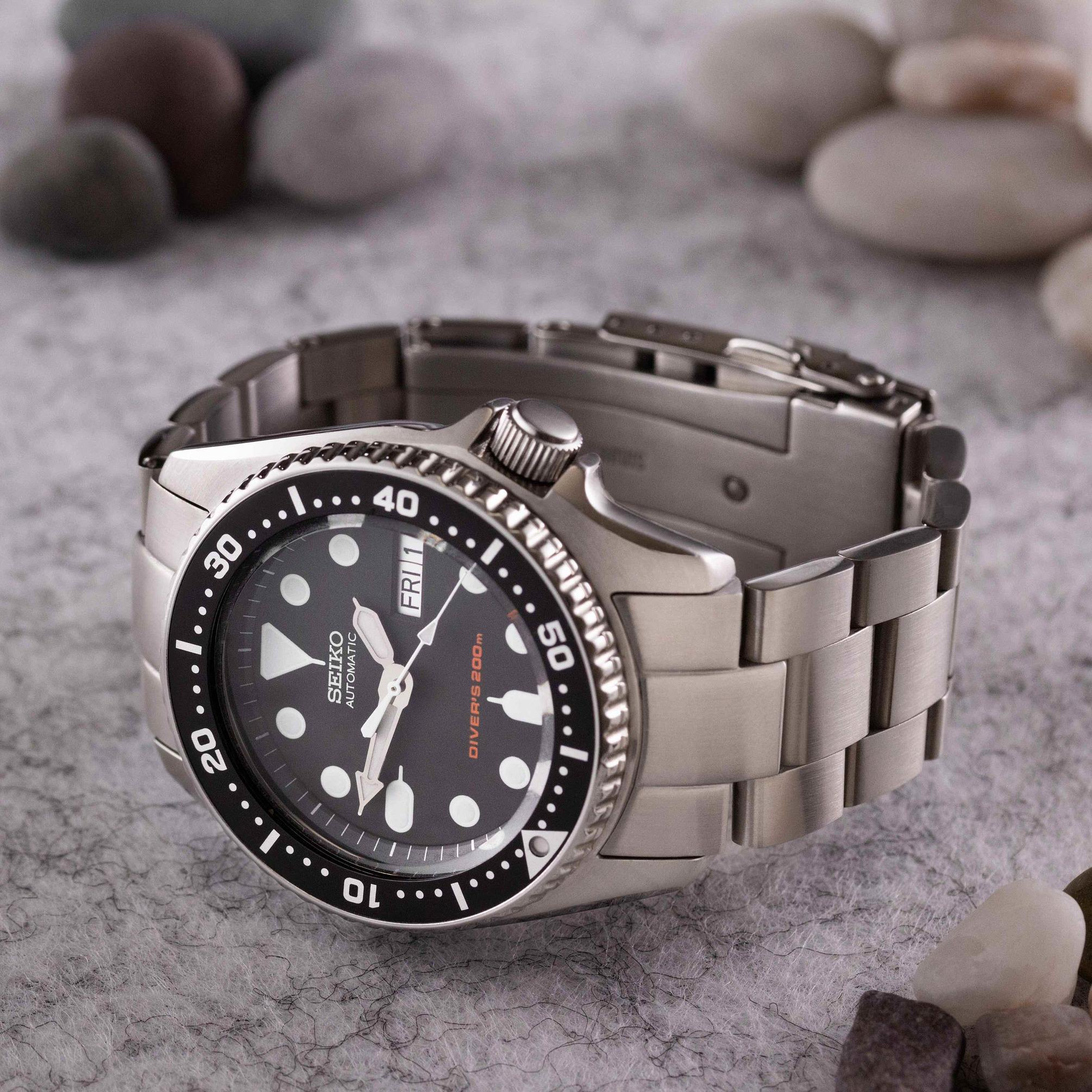 Seiko SKX013 oyster bracelet - The Modest Man