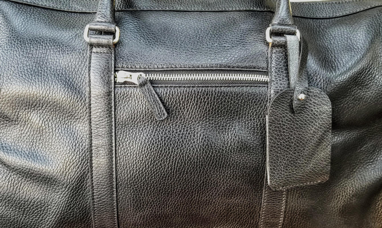 Beckett Simonon Davis Weekender Leather Close Up