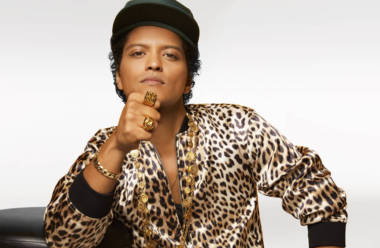Bruno Mars' Height, Girlfriend and Personal Style