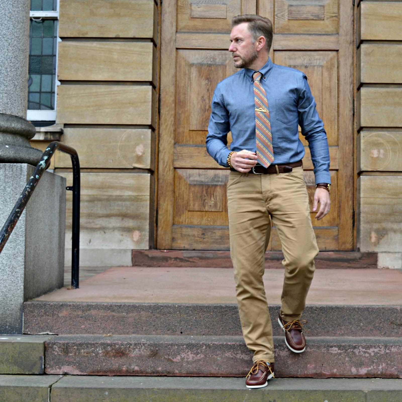 Boat shoes with business casual outfit