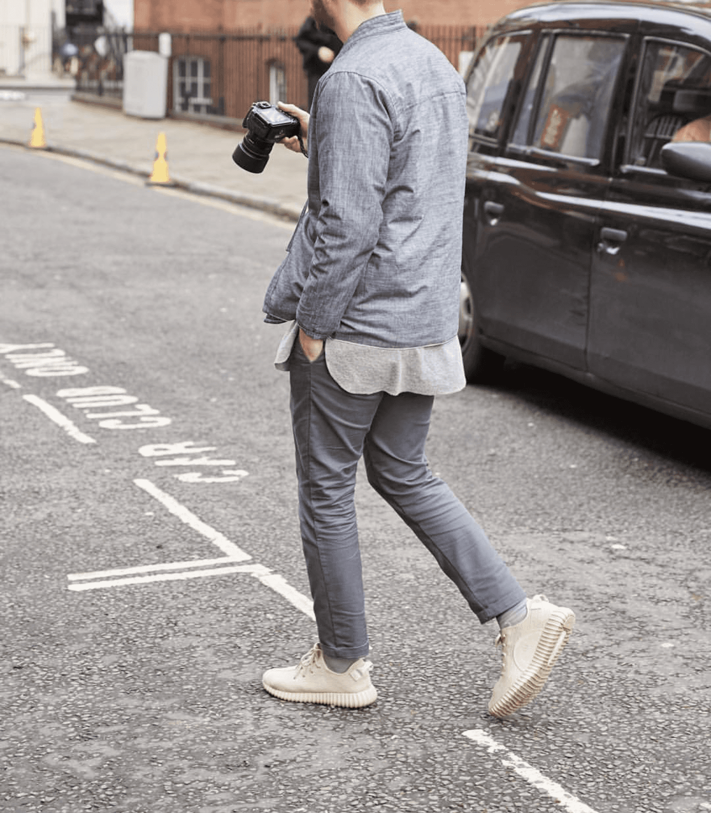 man wearing gray chinos
