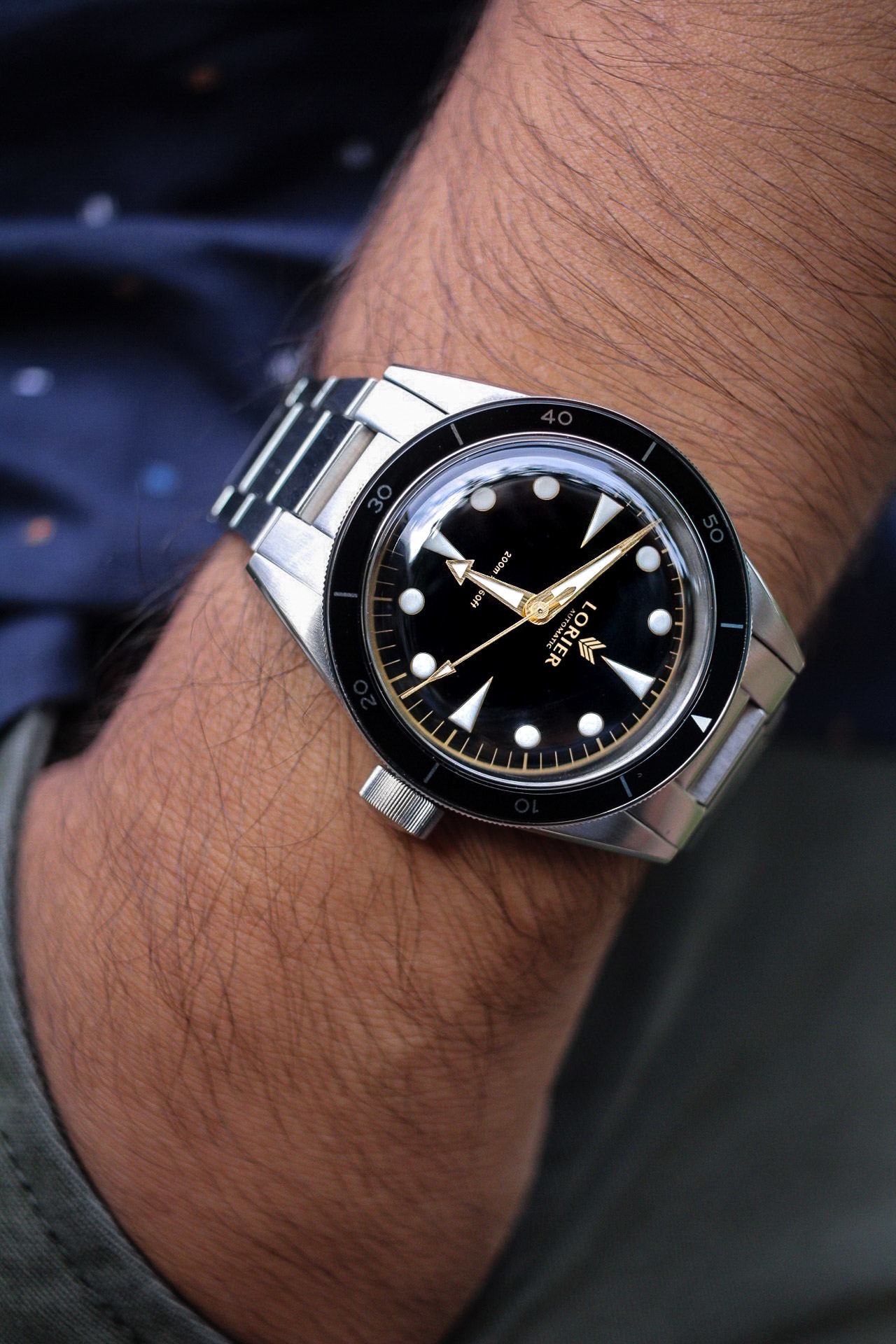 Lorier Neptune Series II on wrist