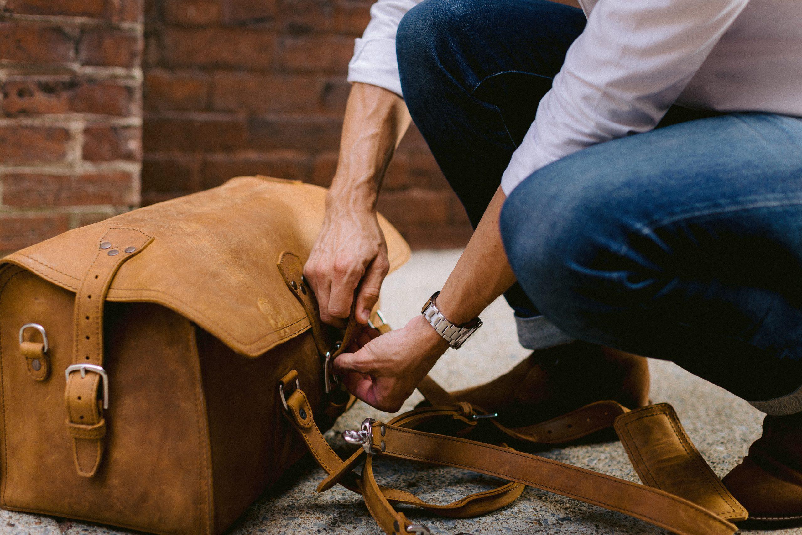 Saddleback duffle latch