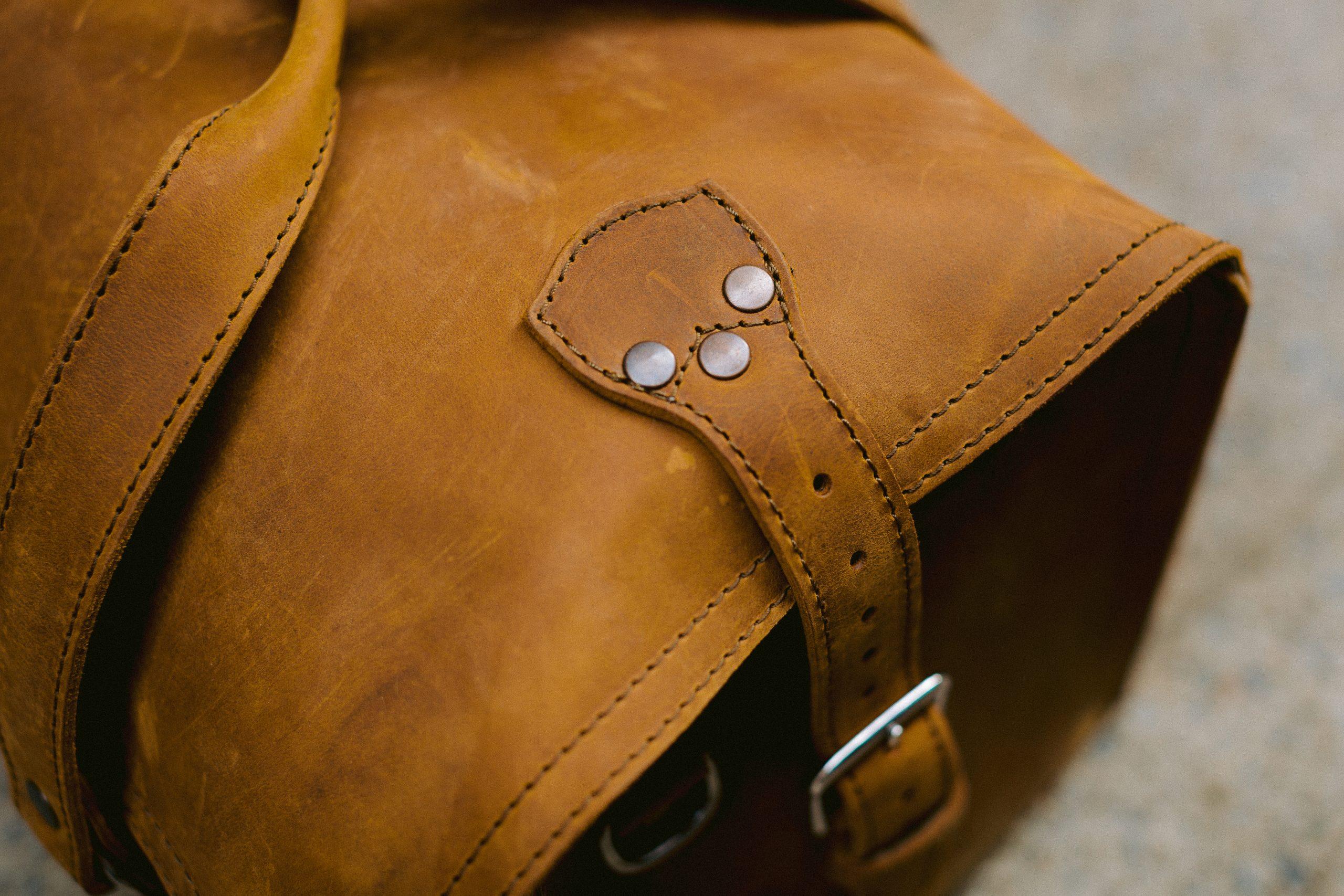 Saddleback duffle stitching