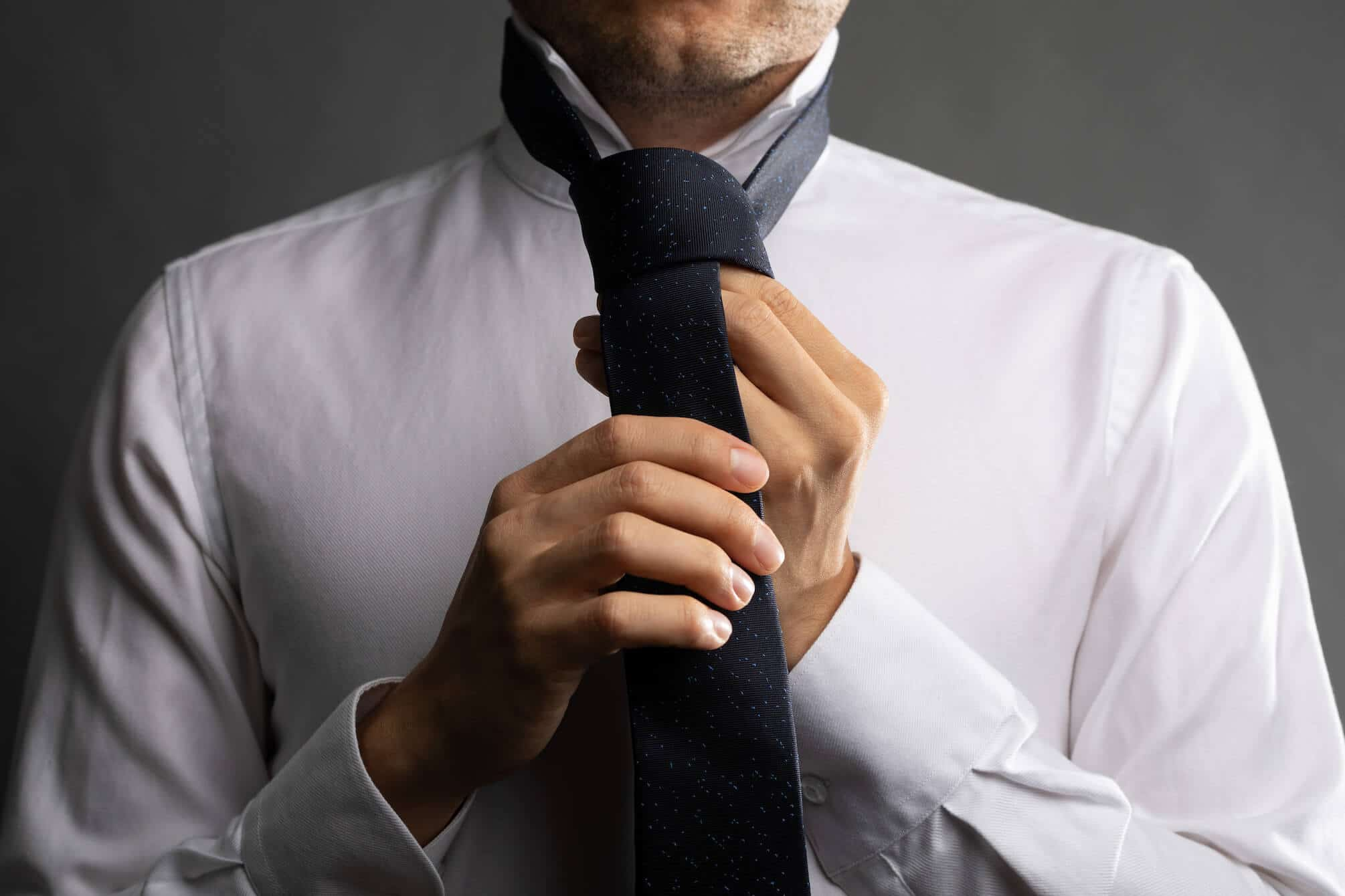 Half Windsor knot step 9