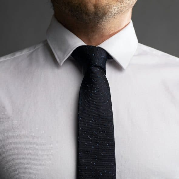 How to Tie a Half Windsor Knot - featured