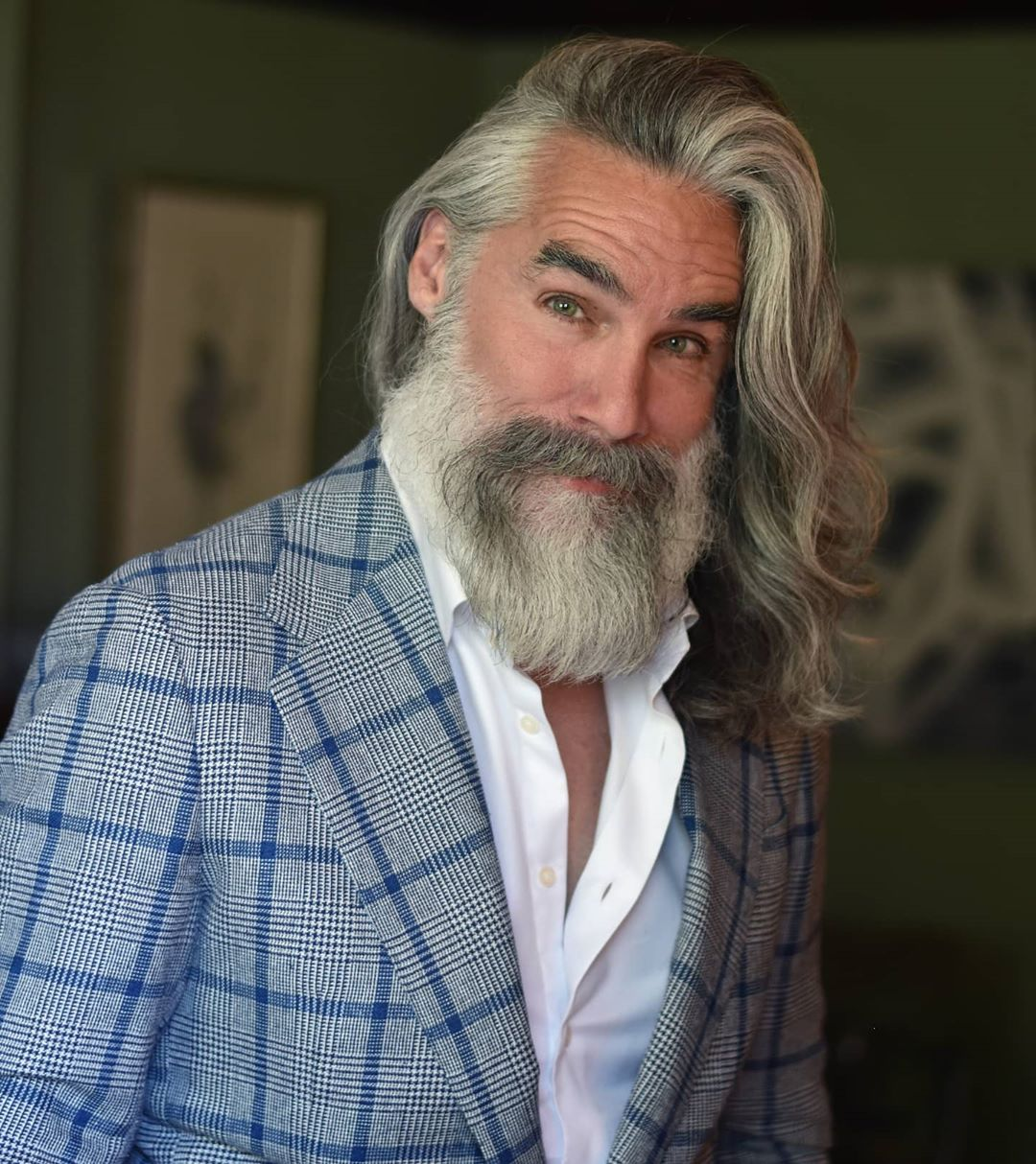 10 Handsome Grey Hairstyles For Men Young And Old