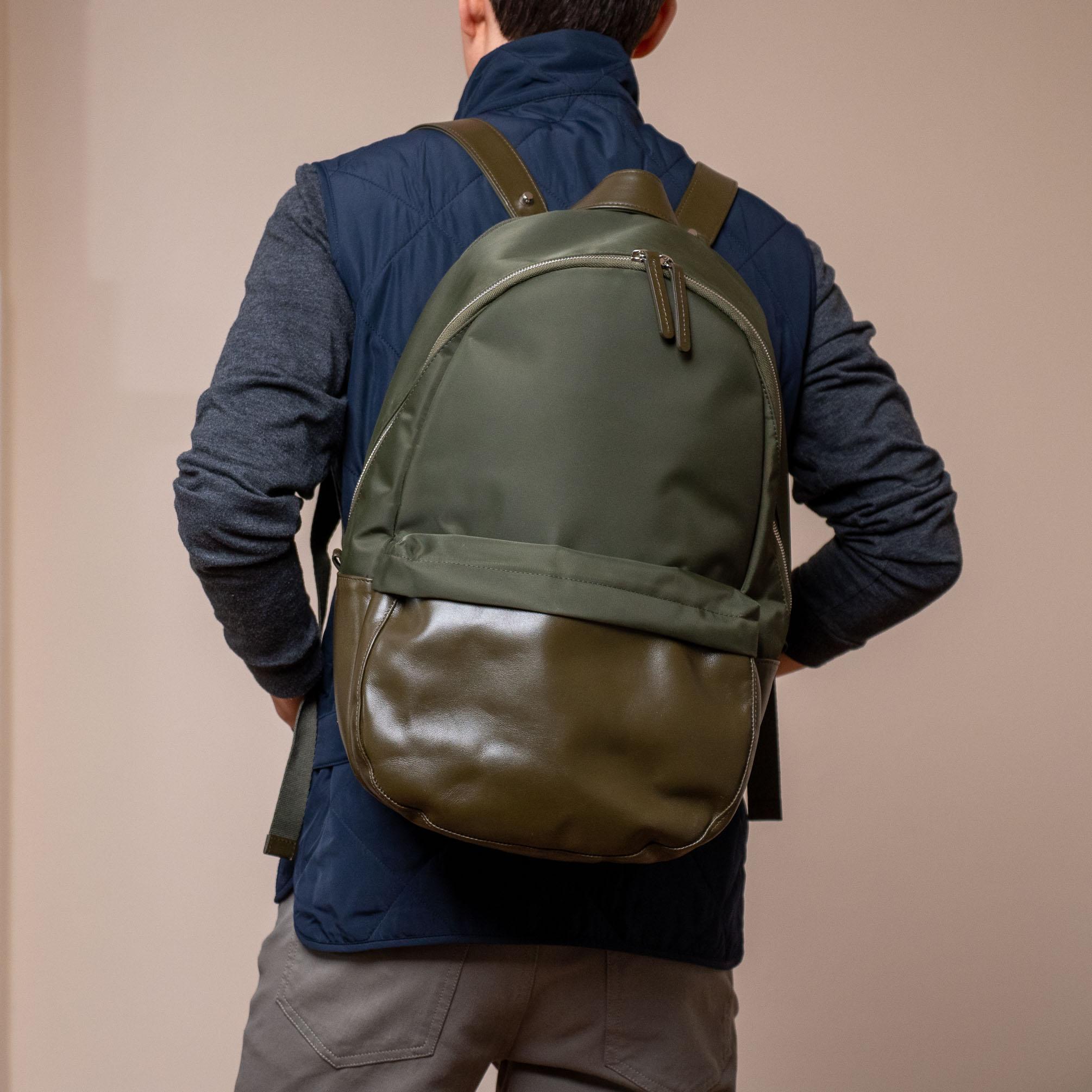 Haerfest Travel Backpack back