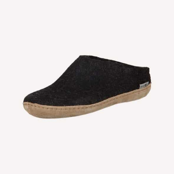 Best Slippers for men featured
